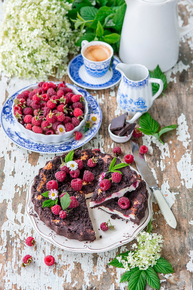 Raspberry chcoclate crumble pie with cottage cheese filling