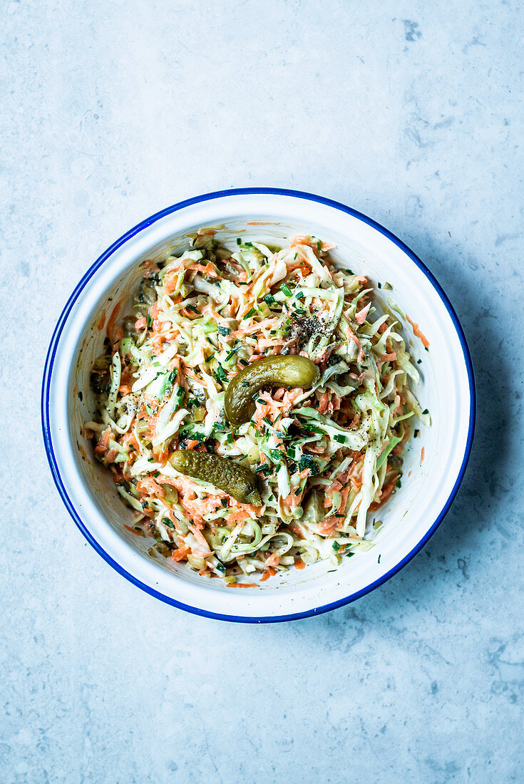 Coleslaw with white cabbage, carrots, pickles and chives