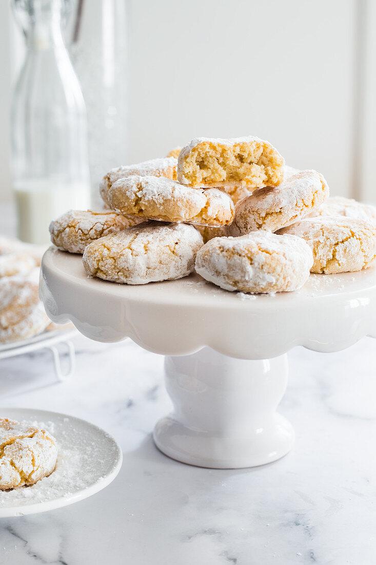 Amaretti morbidi (almond macaroons, Italy)