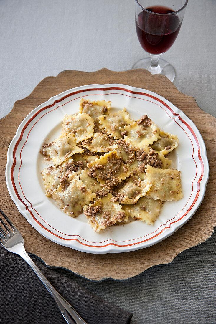Agnolotti casalesi (stuffed pasta with a meat sauce, Italy)