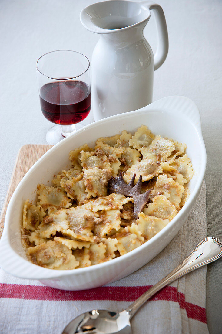 Agnolotti di fubine (stuffed pasta with chicken sauce, Italy)