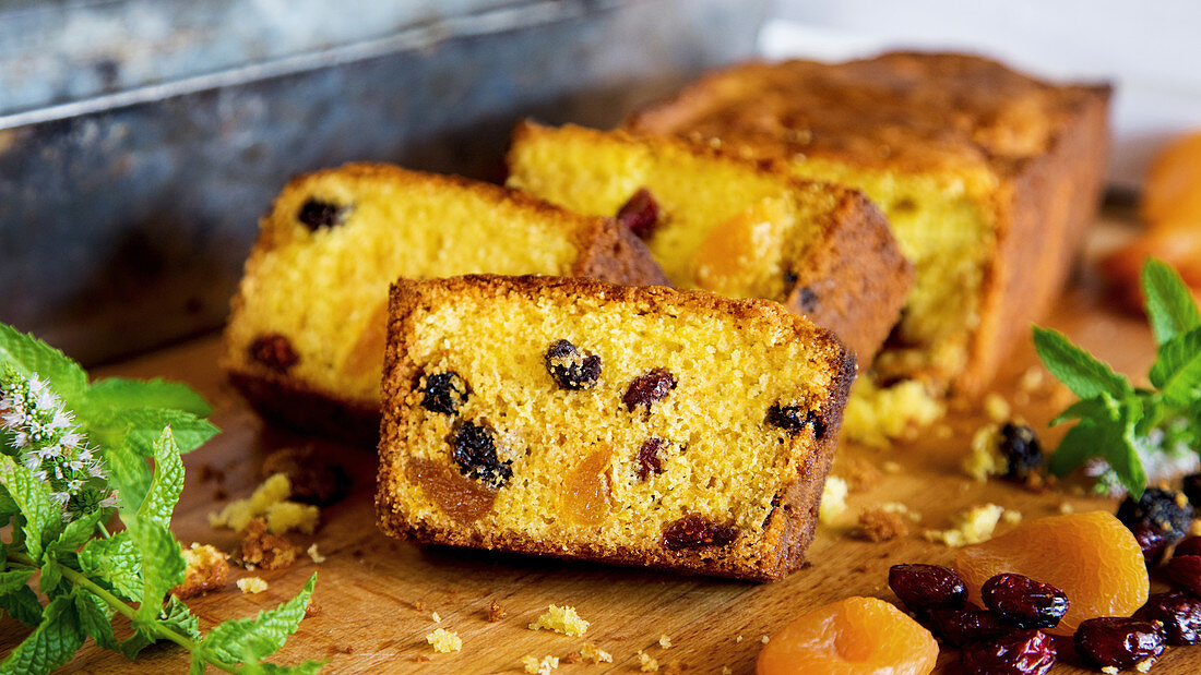 Fruit cake with cranberries and apricots