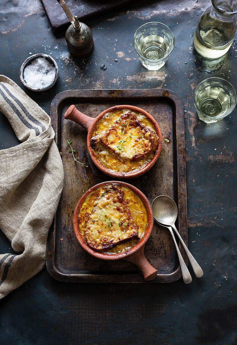 French onion soup with gratinated bread