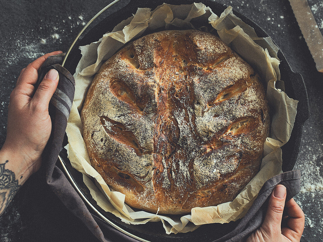 Onion bread from a Dutch oven