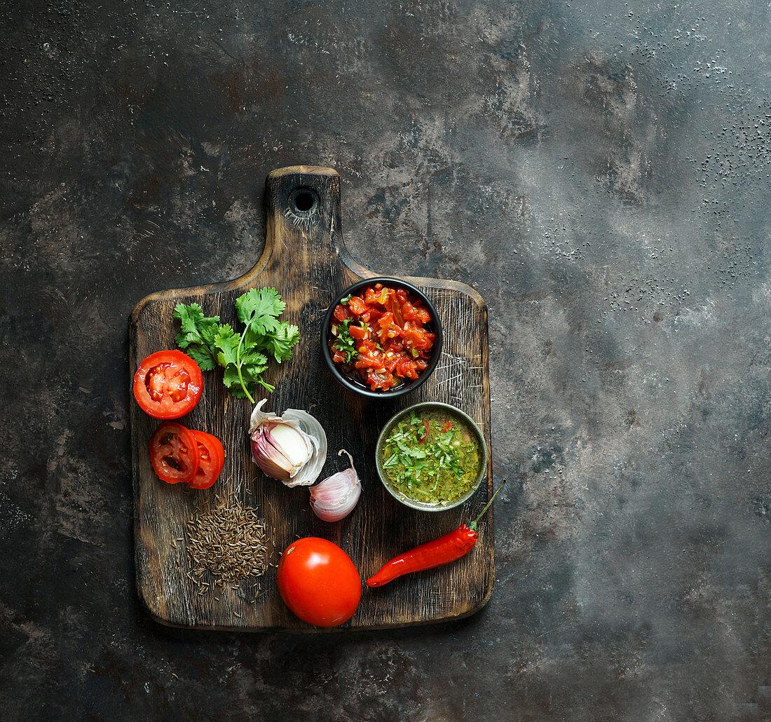 Aji Picante (scharfe Chilisauce) und Hogao Salsa aus Kolumbien