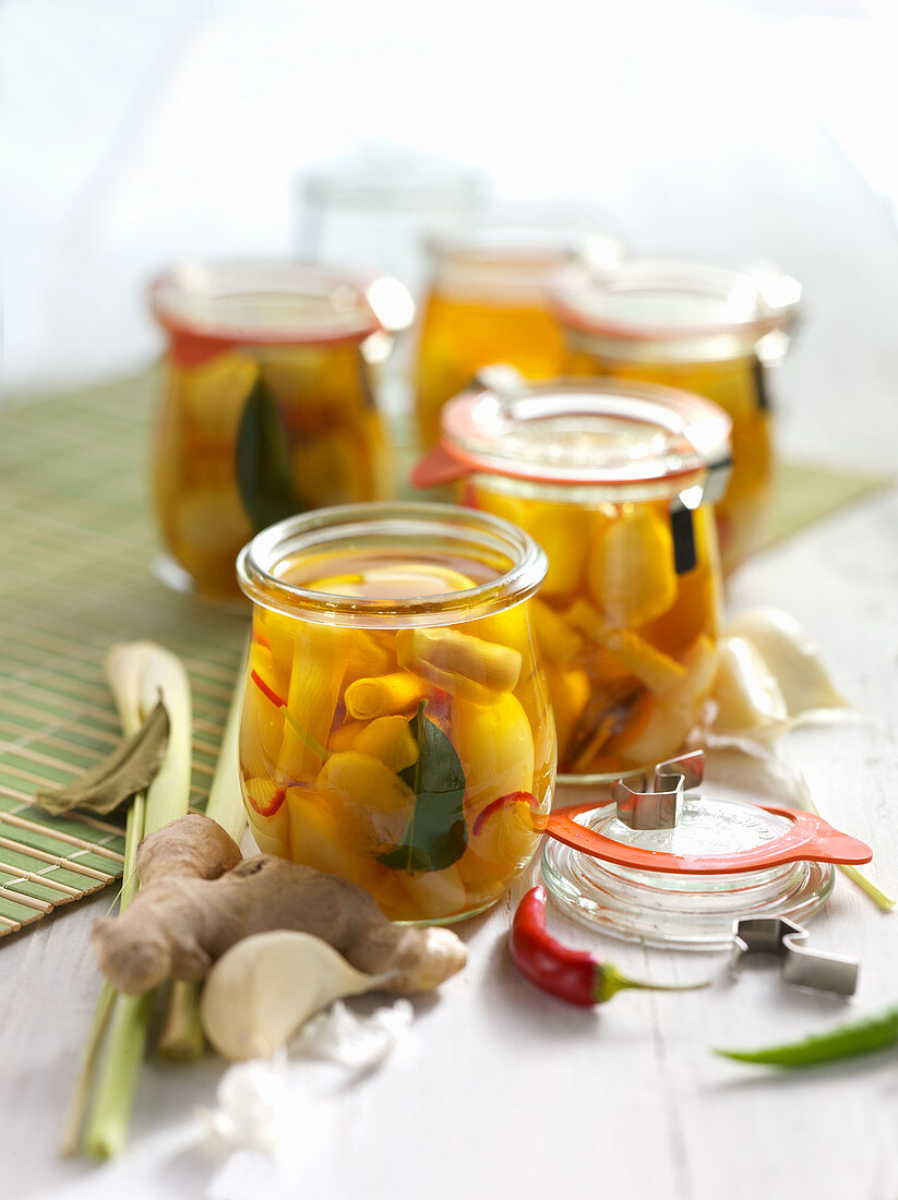 Preserved oriental-style fresh garlic with chilli and lemongrass