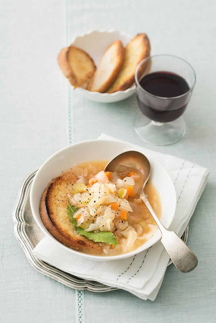 Carabaccia alla fiorentina (onion soup à la florentine, Italy)