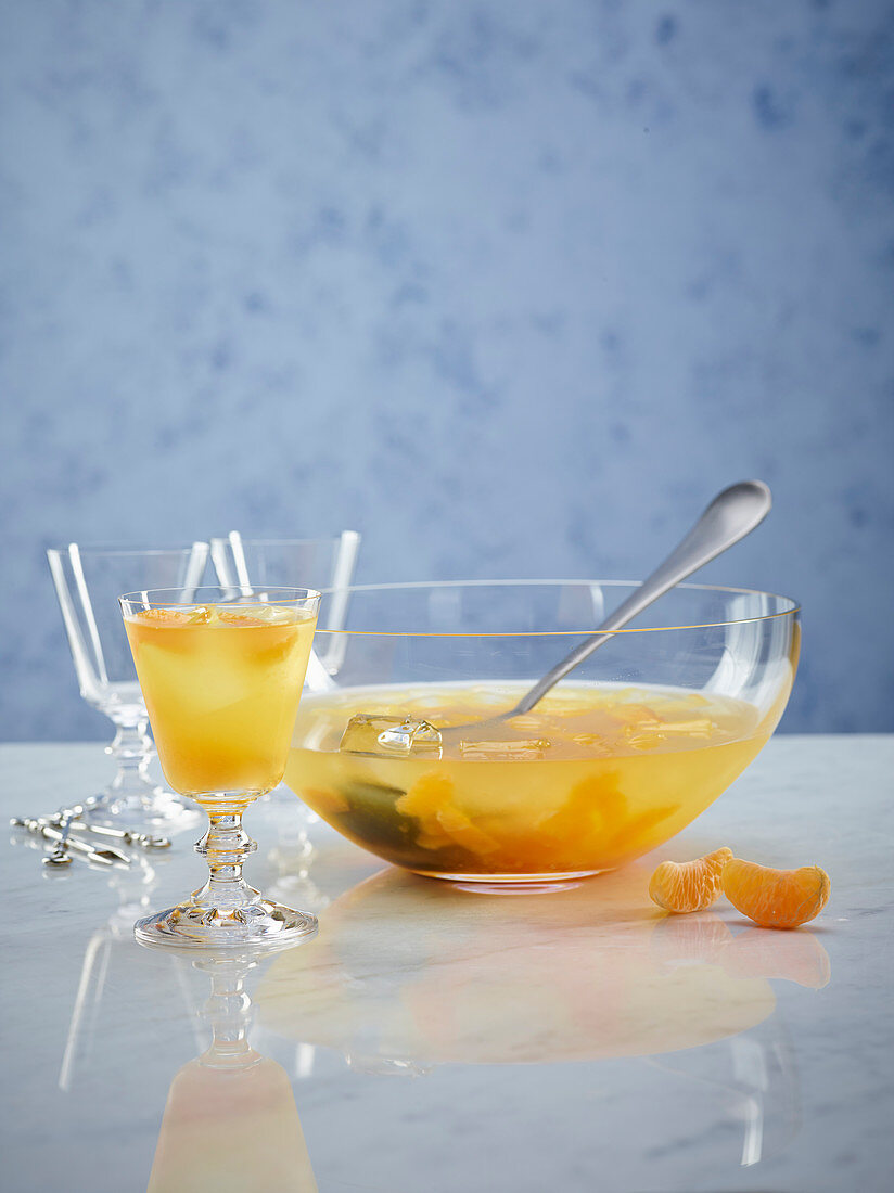 Clementine cocktail with Vermouth and orange liqueur