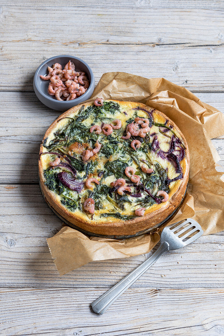 Spinach quiche with shrimps