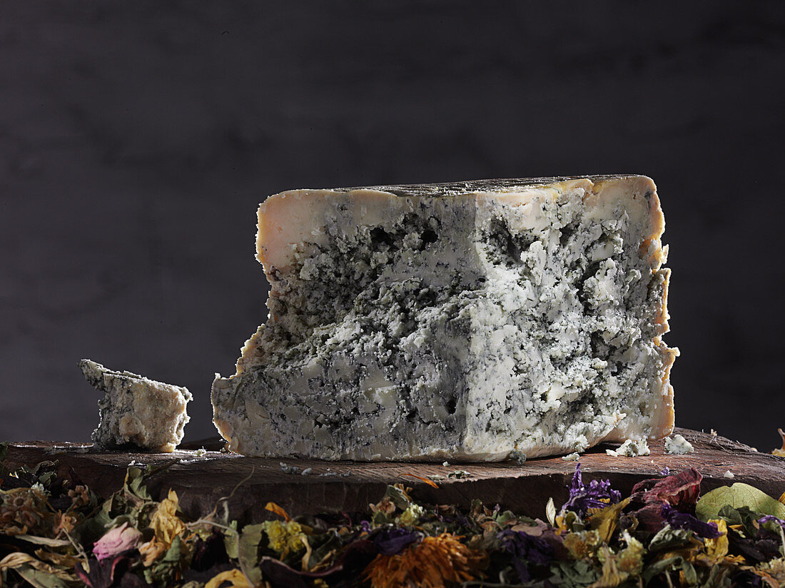 Cabrales (blue cheese from Spain)