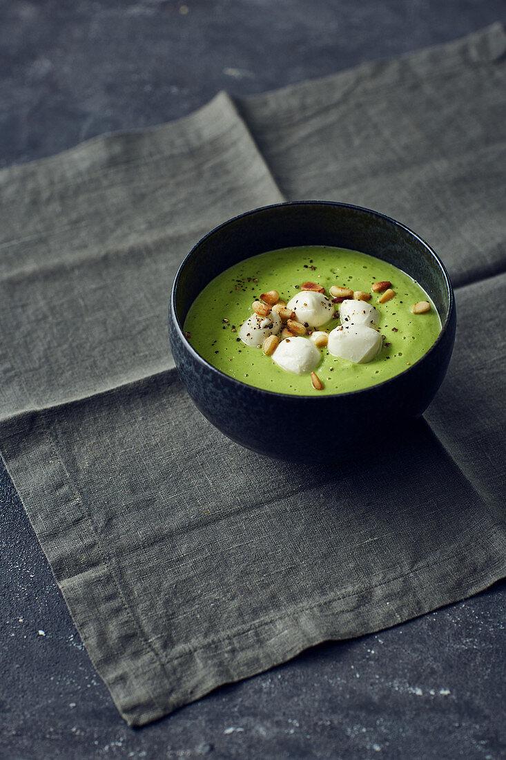 Broccoli soup with mini mozzarella