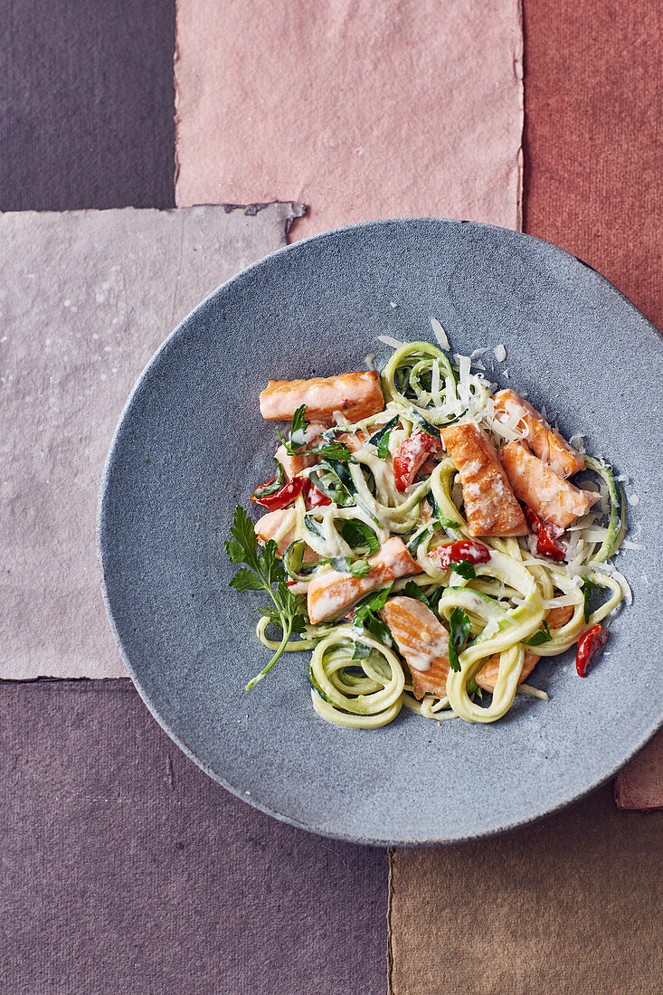 One pot courgette noodles with cream cheese and salmon