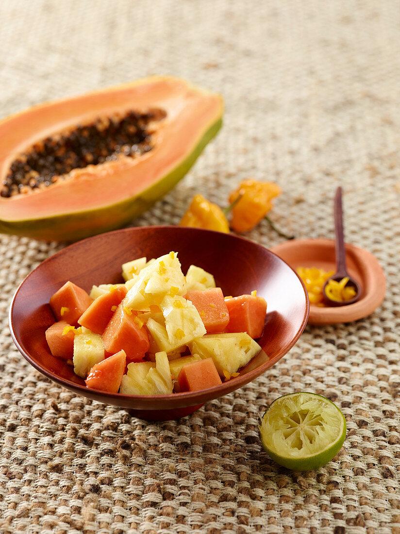 Ananas-Papaya-Salat mit Habaneros, Westafrika