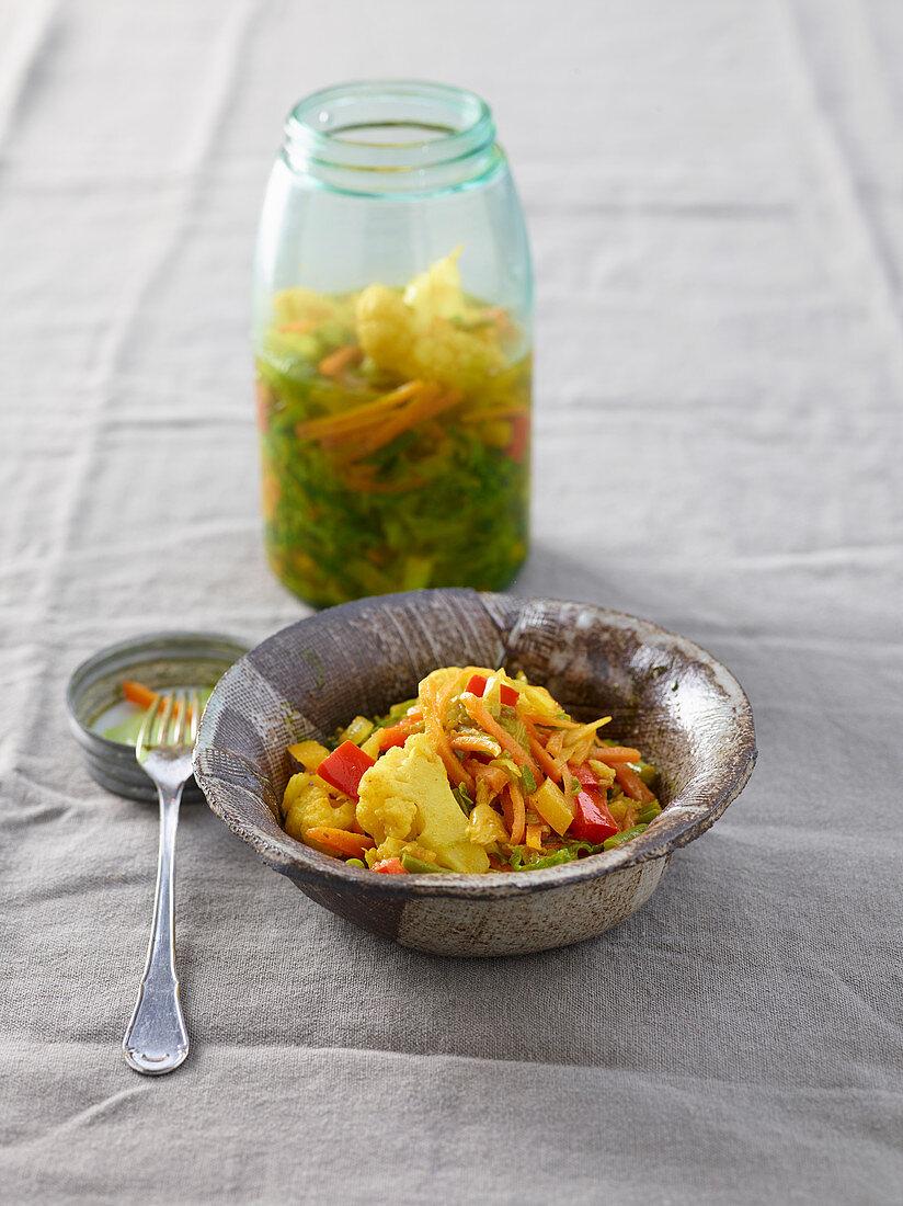 Achard de legumes (Warmer Gemüsesalat, Indischer Ozean)