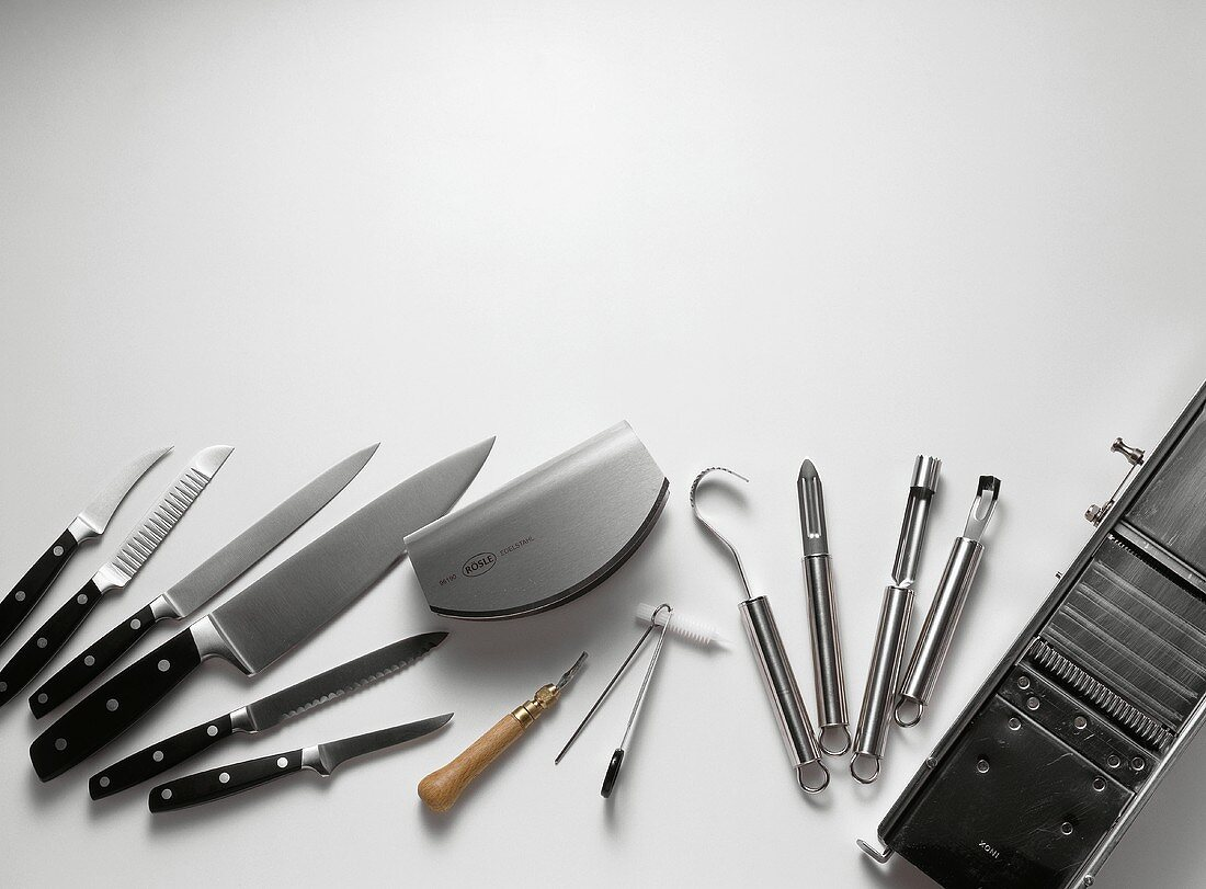 Assorted Knives and Carving Tools