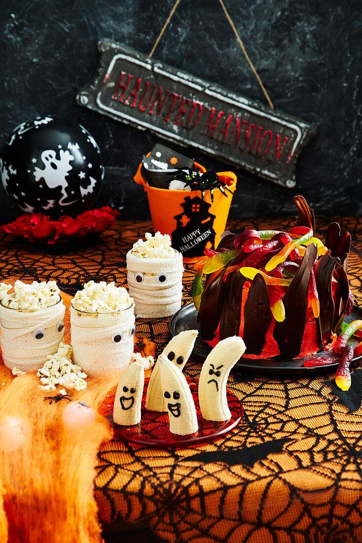 Healthy Halloween: Mummy popcorn cups and Screaming Bananas