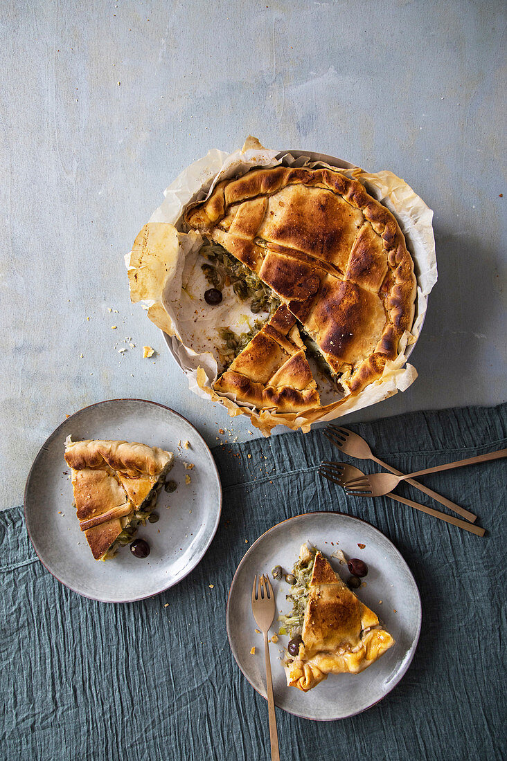Chicory cake with capers and olive