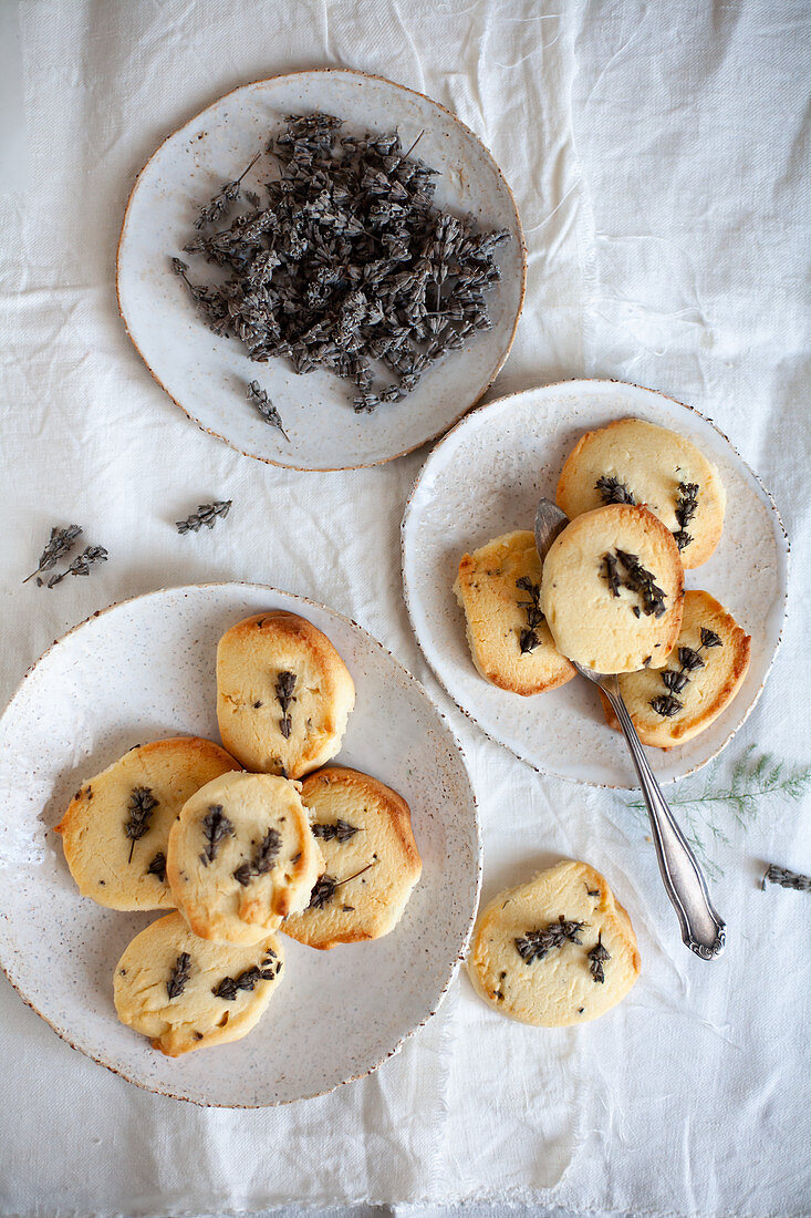 Butter cookies with lavender