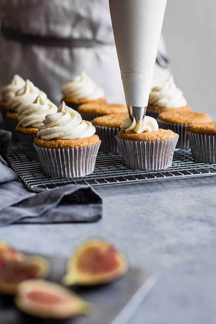 Fig cupcakes with vanilla frosting