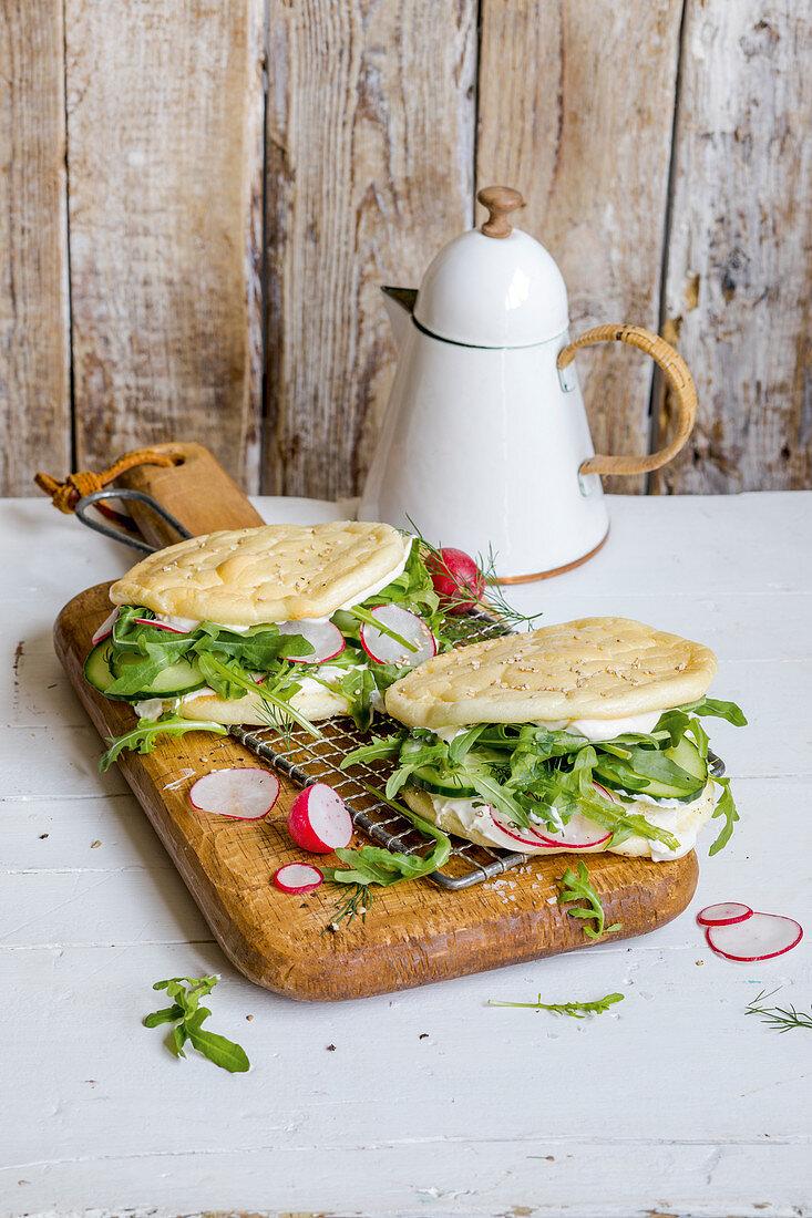 Cloud bread sandwiches with vegetables and crème fraîche (keto cuisine)