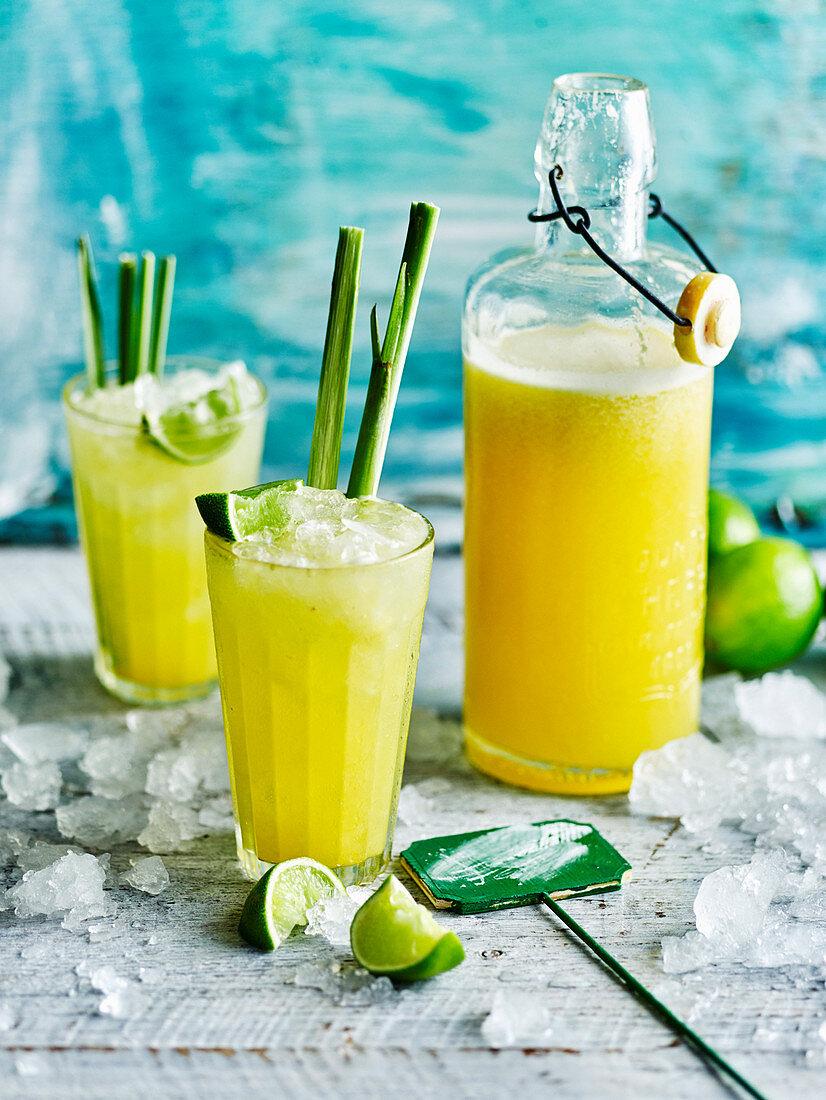 Nashi, pineapple and lemon grass juice