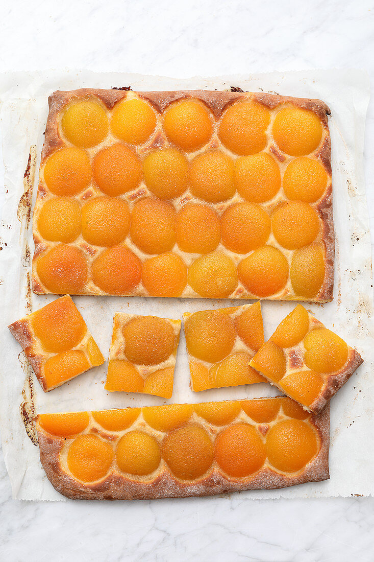 A quick tray bake cake with tinned apricots