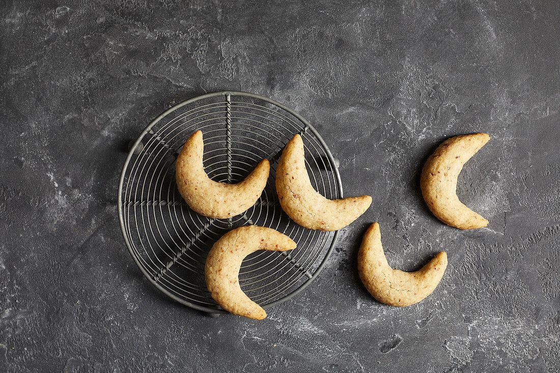 Sugar-free nut biscuits