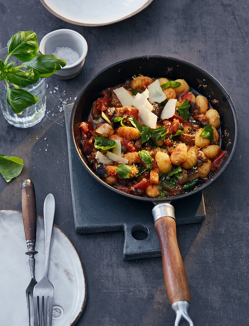 One-pan gnocchi with aubergines and Alpine cheese