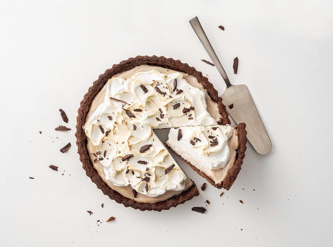 Chocolate tarte with chestnut cream and a meringue topping