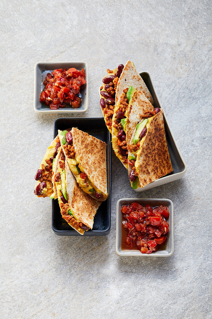 Tortillas with vegan sunflower seed mince