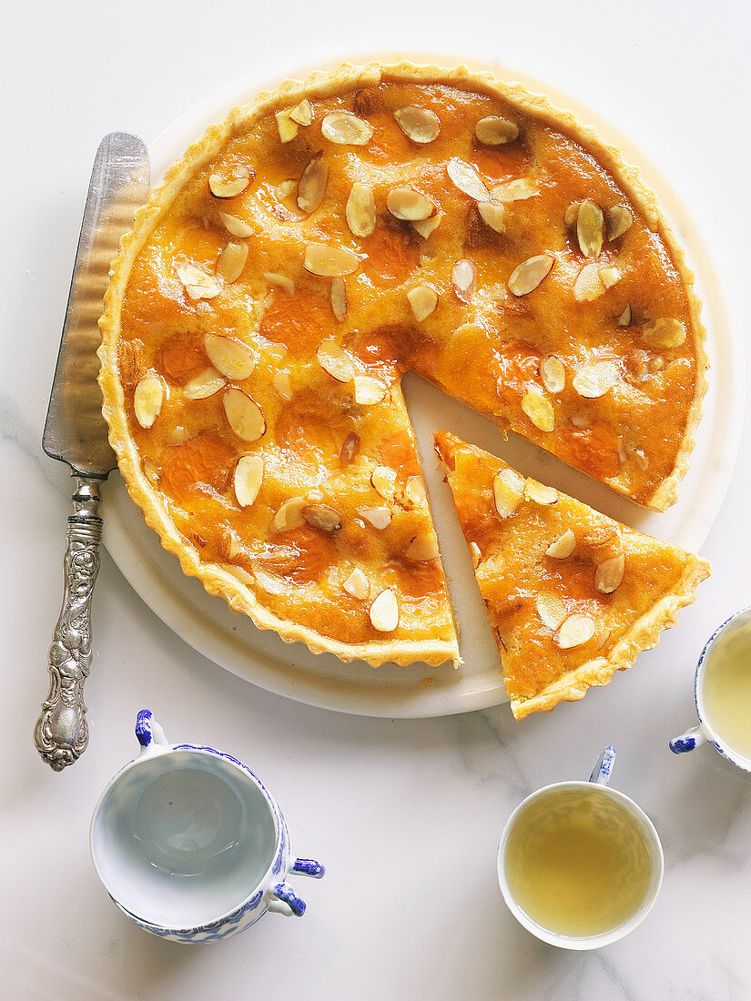 Apricot tart with frangipane filling
