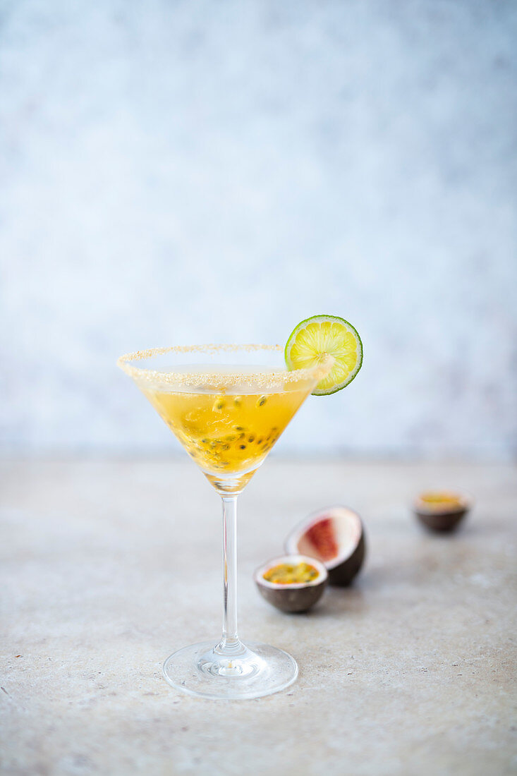 Daiquiri with passion fruit and lime
