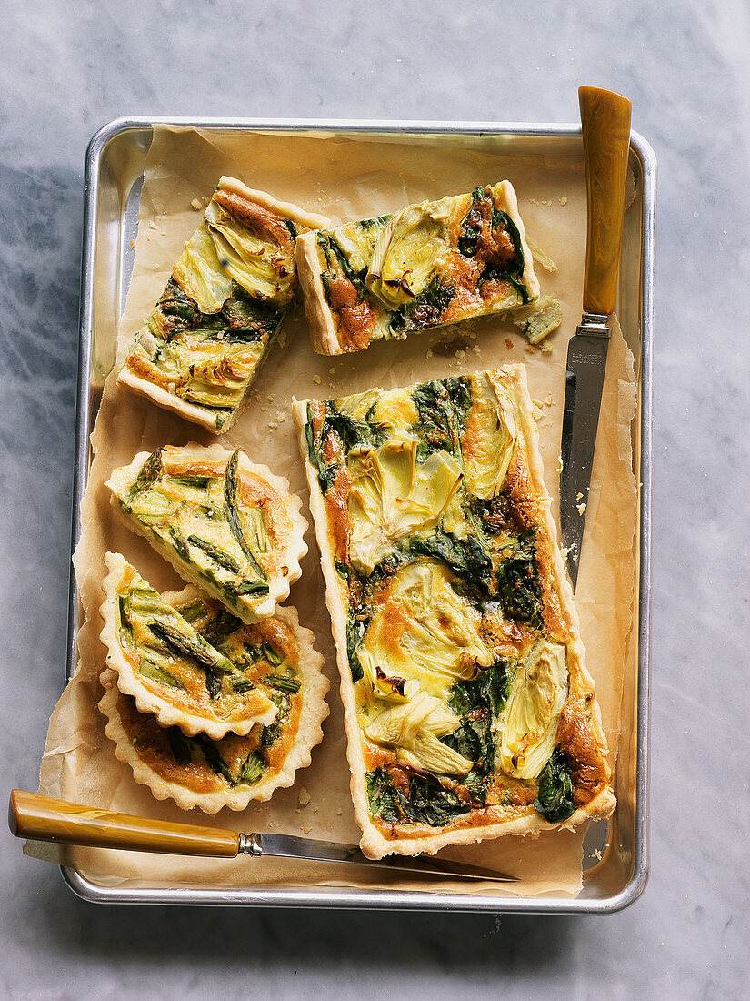 Artichoke heart and spinach quiches