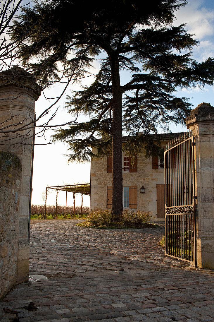 Main building, La Mondotte, Saint-Emilion, Bordeaux, France