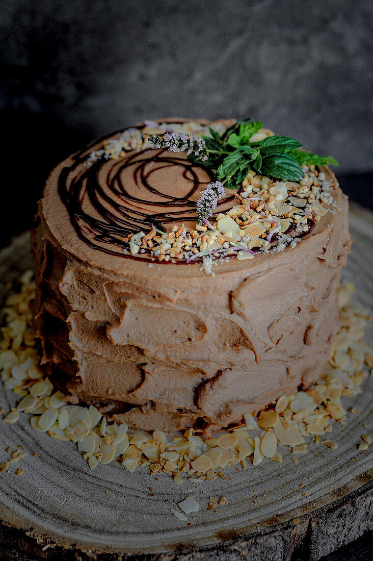 Pear and red wine cake with hazelnuts