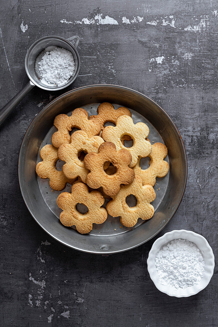 Canestrelli Italian Butter Cookies in a baking tin