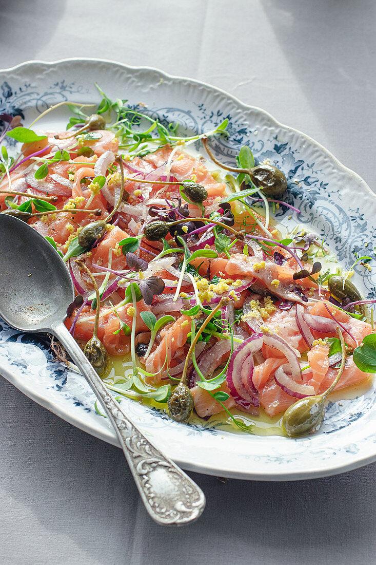 Salmon Sashimi Salad with Capers and Onion