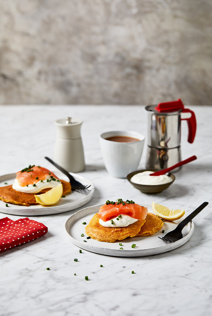 Pancakes with smoked salmon and creme fraiche