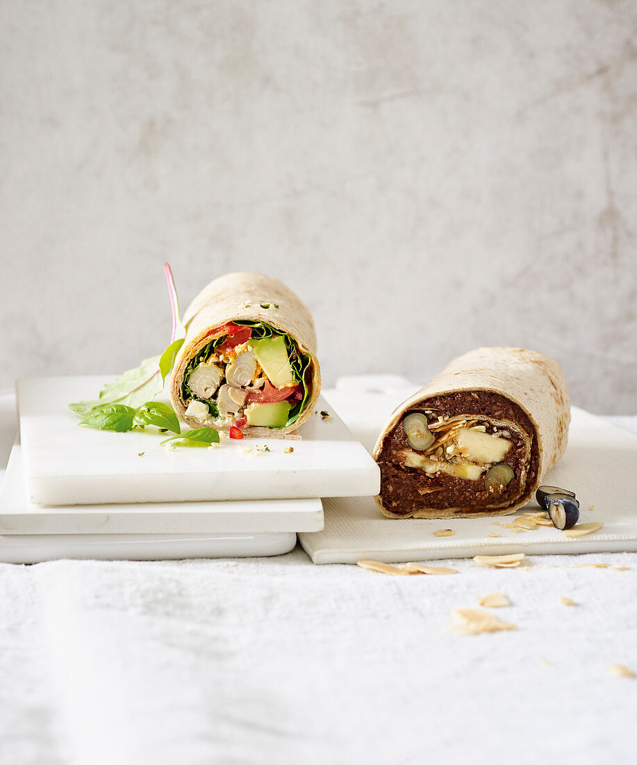Breakfast wraps with two fillings - sweet and savoury