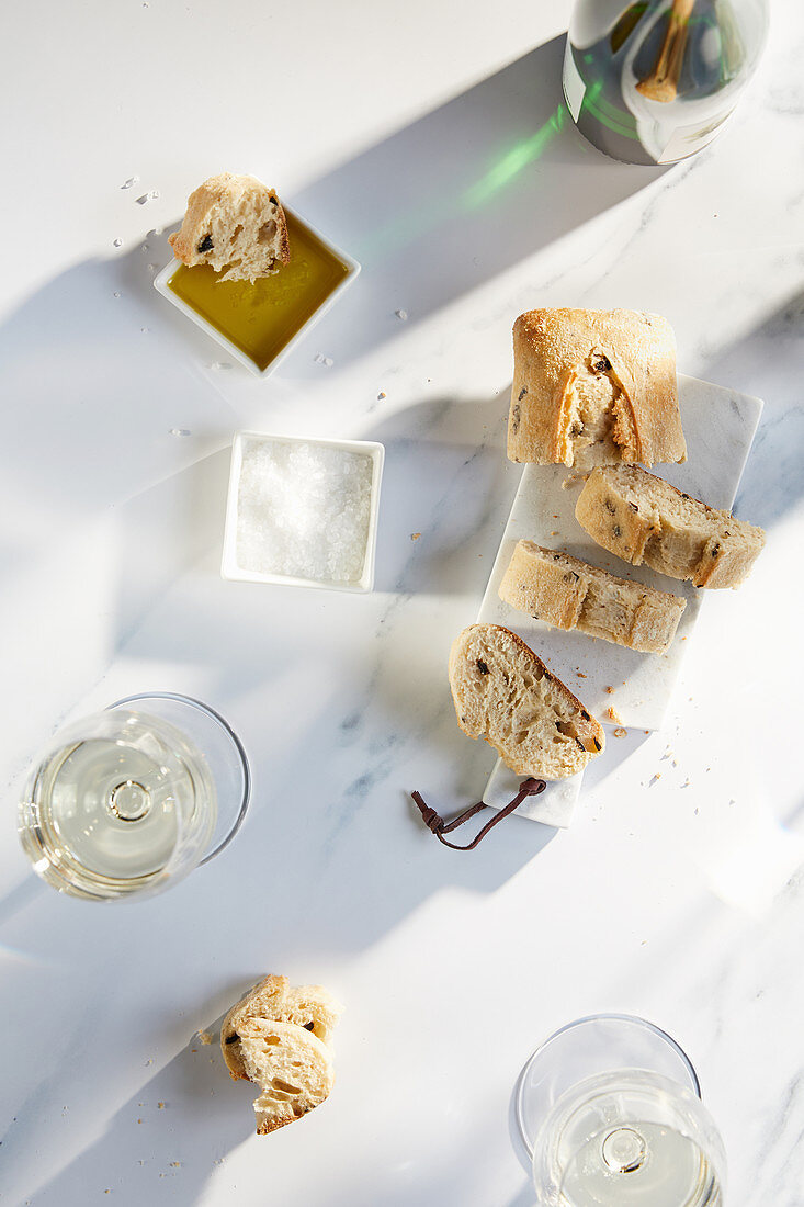 Olive bread with olive oil, salt and white wine