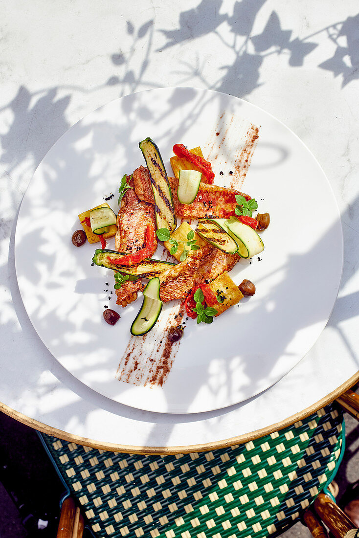 Red mullet with Provençal vegetables
