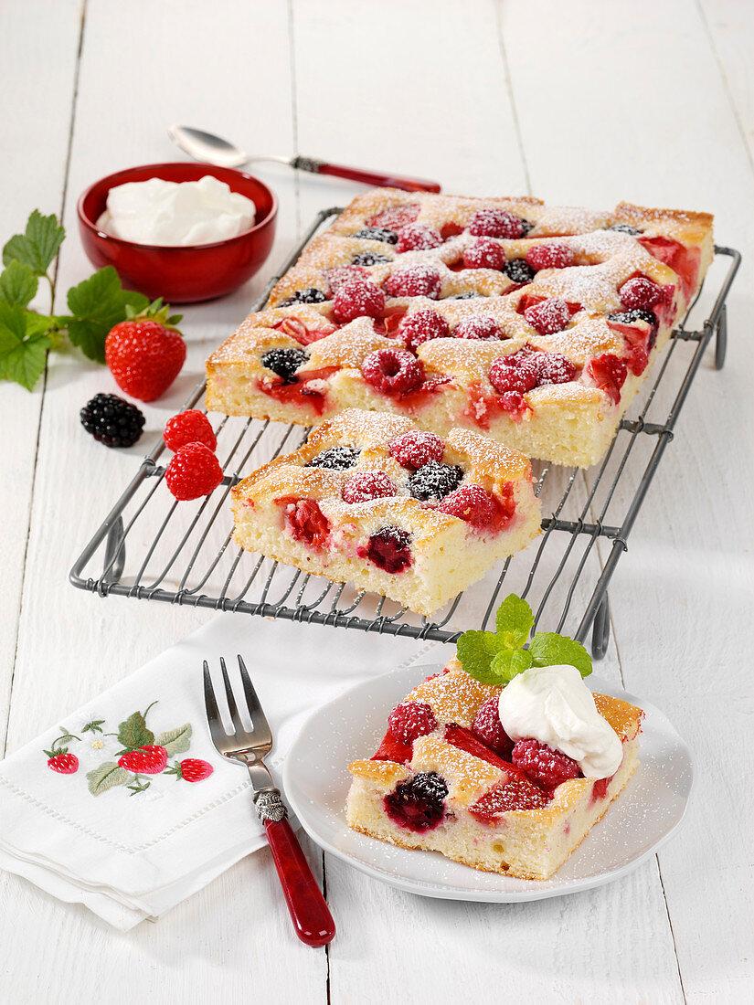 Joghurt-Beerenkuchen vom Blech