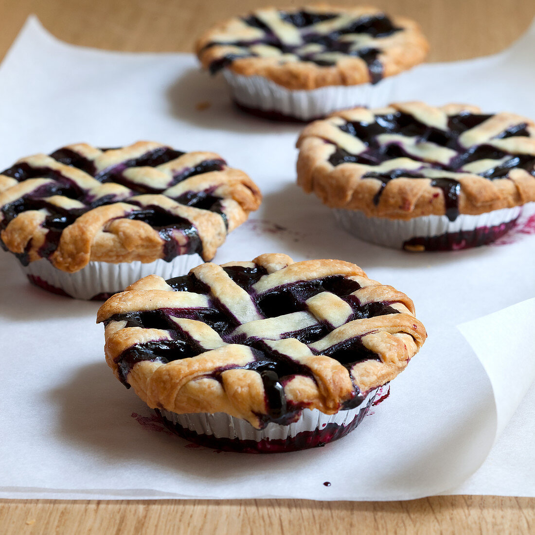 Cutie Pies with Blueberries and Cherries (USA)