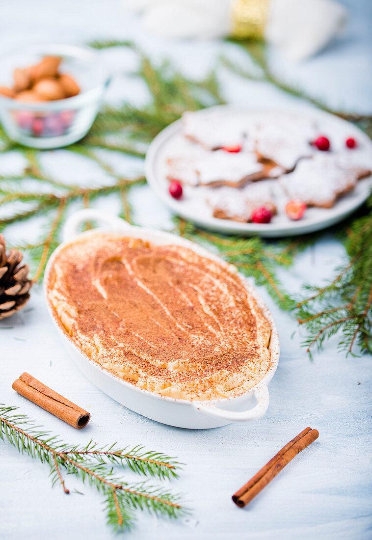Cinnamon tiramisu for Christmas