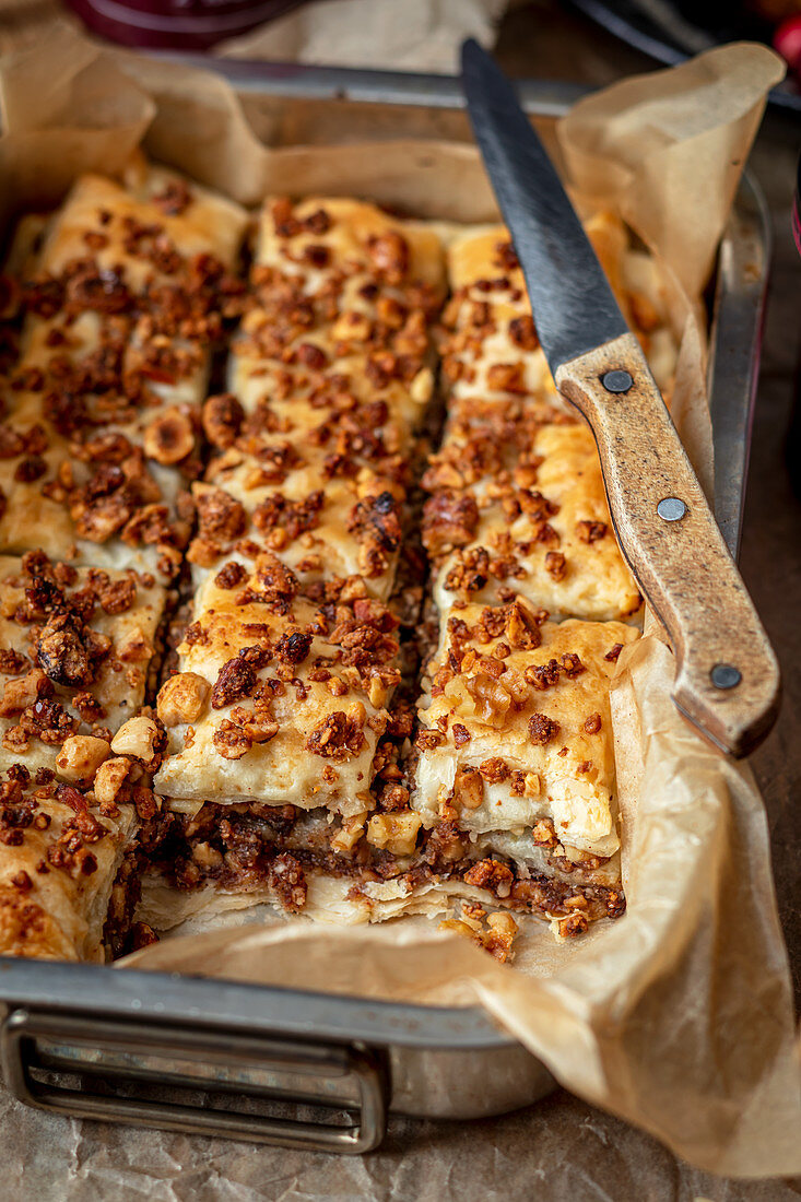 Puff pastry cake with walnut filling