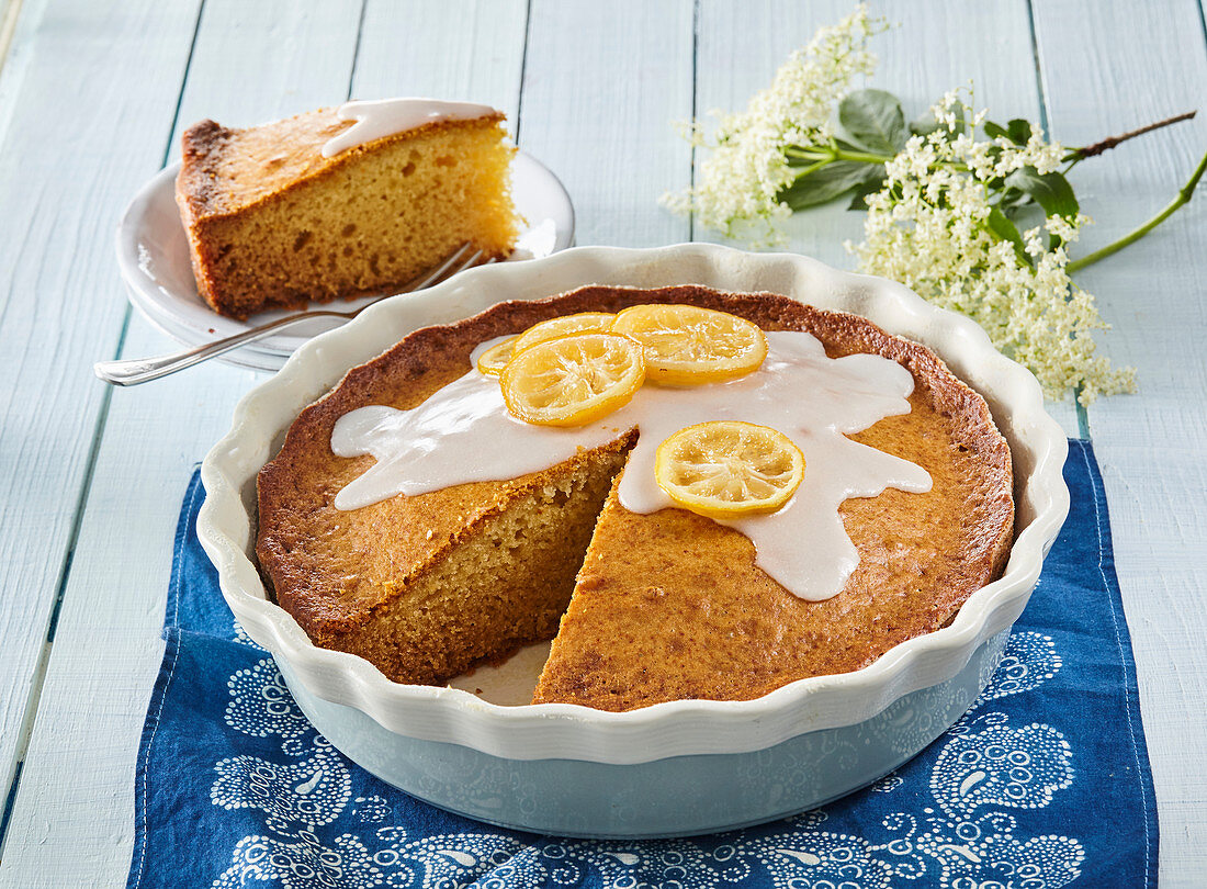 Cake with elderberry syrup