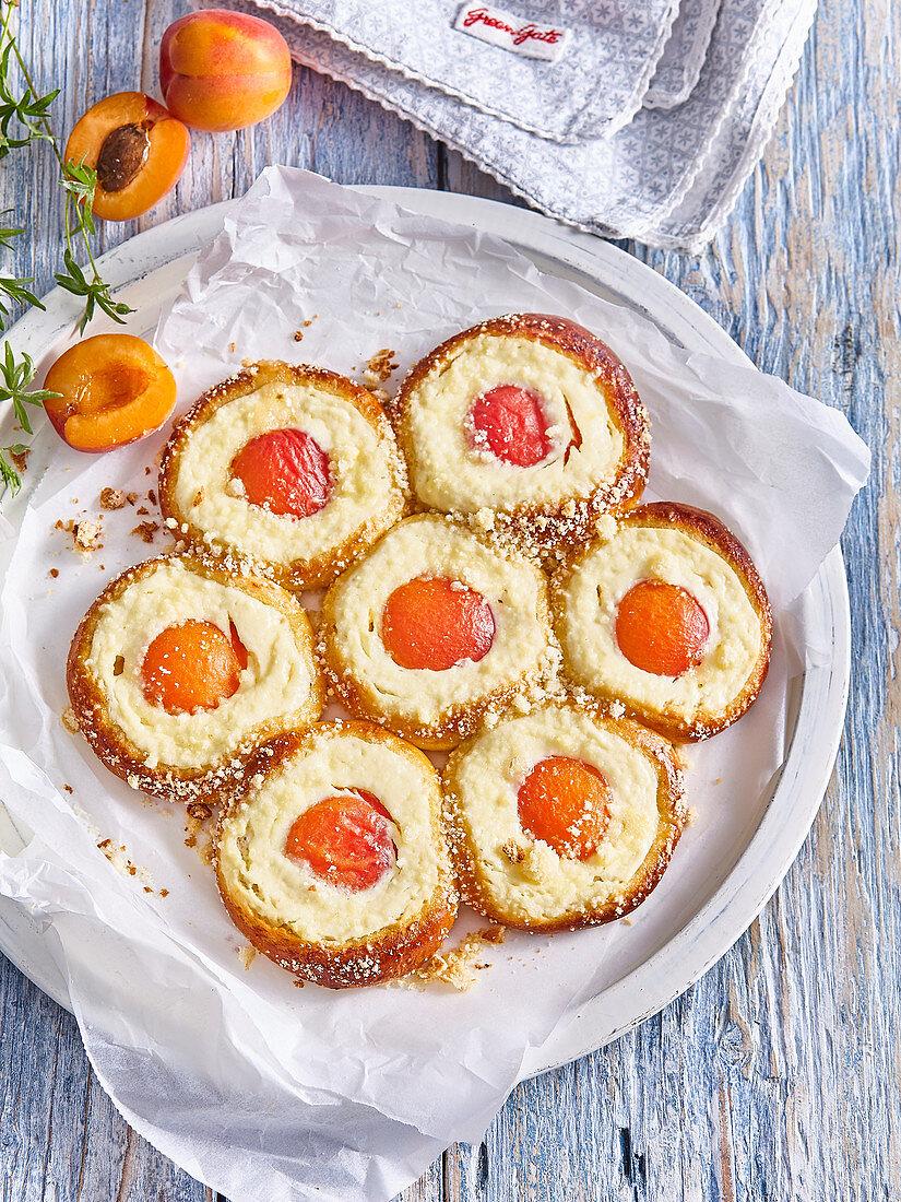 Confect apricot cake