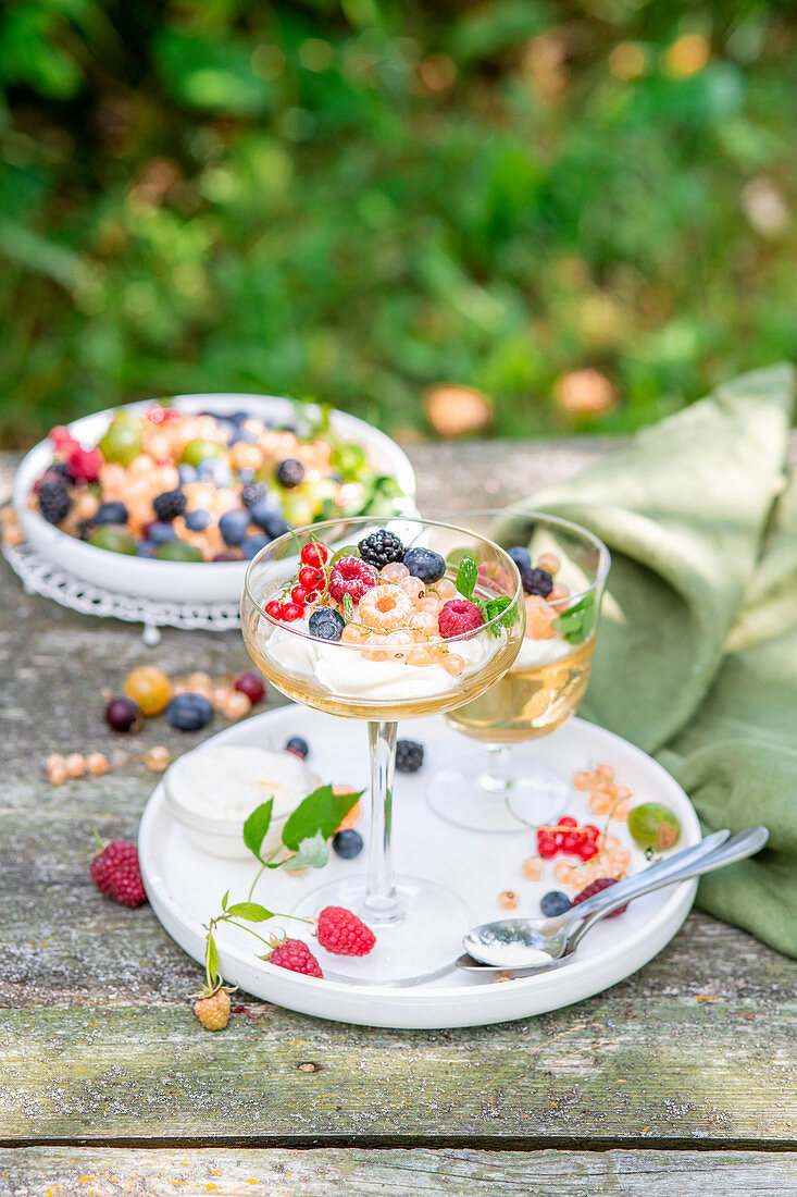 Champagne jelly with summer berries