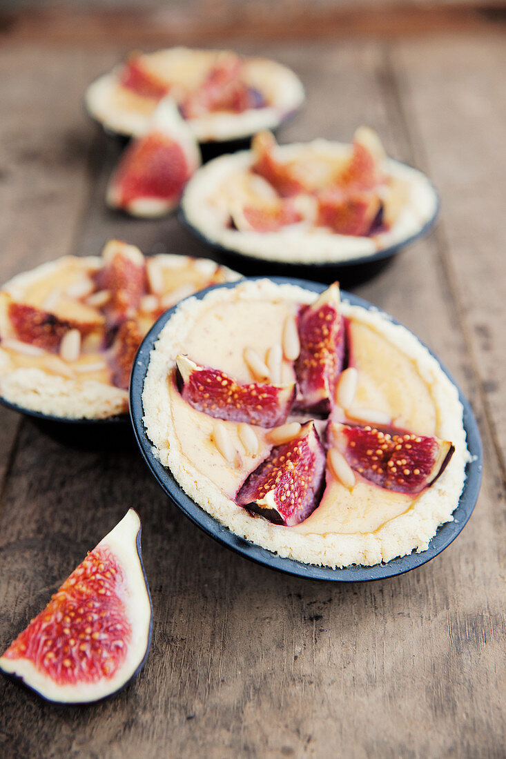 Ricotta fig tarts
