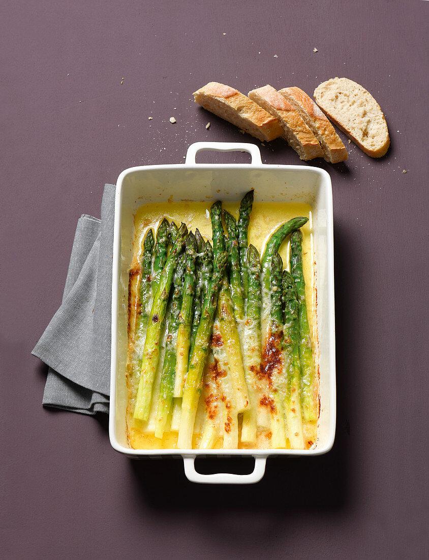 Gratin green asparagus in parmesan butter